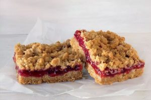 Cherry-Oatmeal-Bars