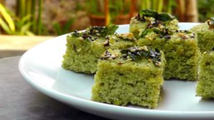 Green Treat: Spinach Mint Sauce Coated Sago Upma